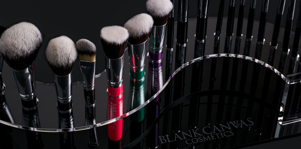 Blank Canvas Cosmetics Pro MUA - Professional 21 Piece Brush Set with Spiral Display